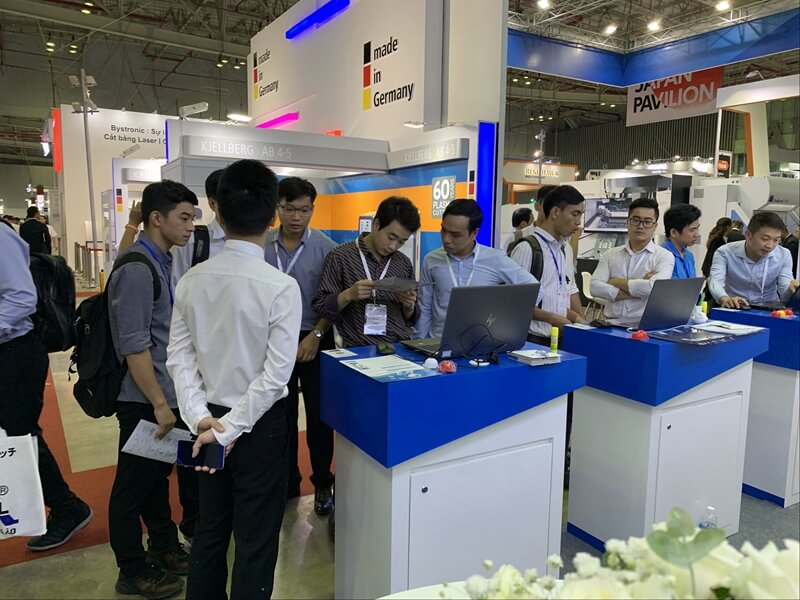 Figure 1. Visitors were learning about ZWSOFT solutions