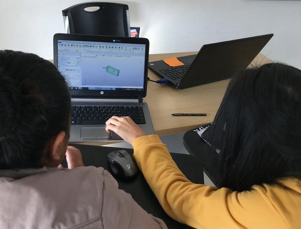 Students are using ZW3D to do exercises